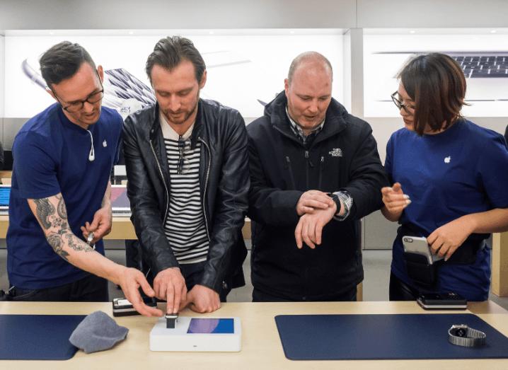 Customers try Apple Watch