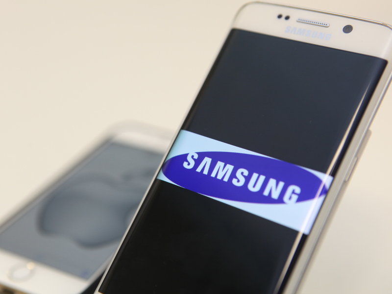 Samsung leads Apple in smartphone sales but Android challengers are growing