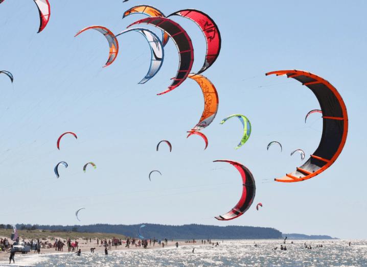 Windboarding kites