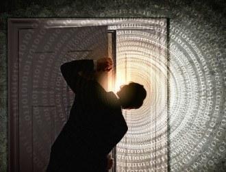 Tech leaders lobby Obama against backdoors in phones