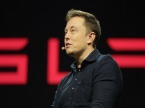 Tesla battery pre-orders 'crazy off the hook', says Musk