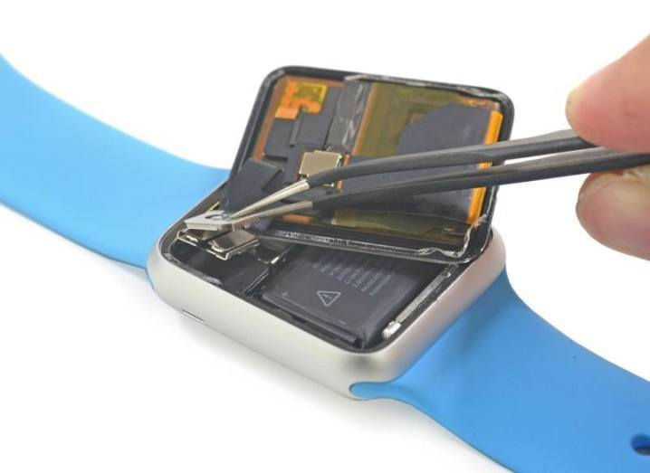 iFixit-strips-down-Apple-Watch-questions-the-battery-1
