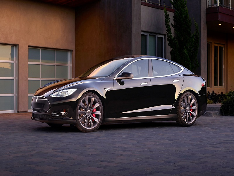 Tesla Q1 report shows losses once again, but less than expected