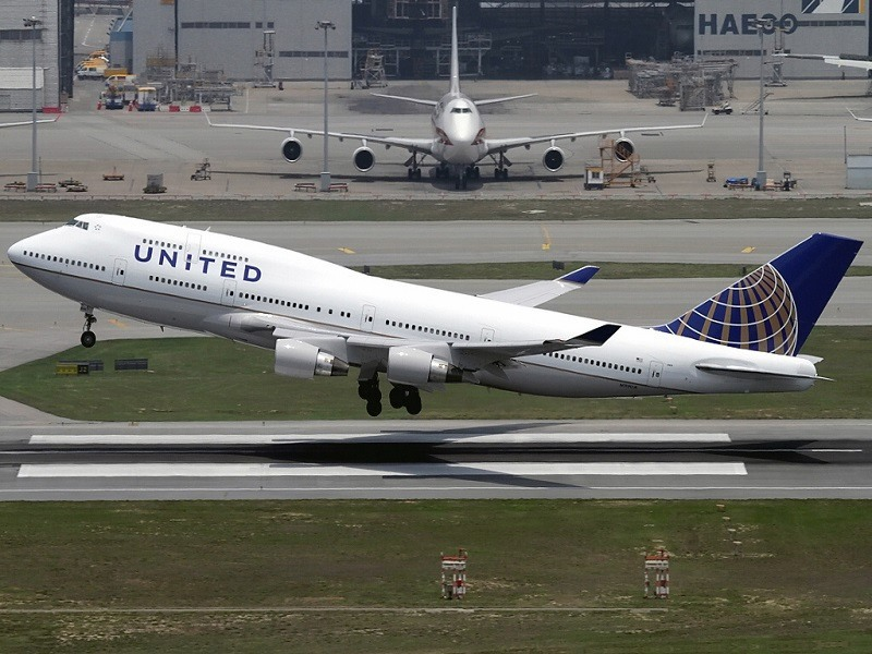 United Airlines: Go ahead, try and hack us