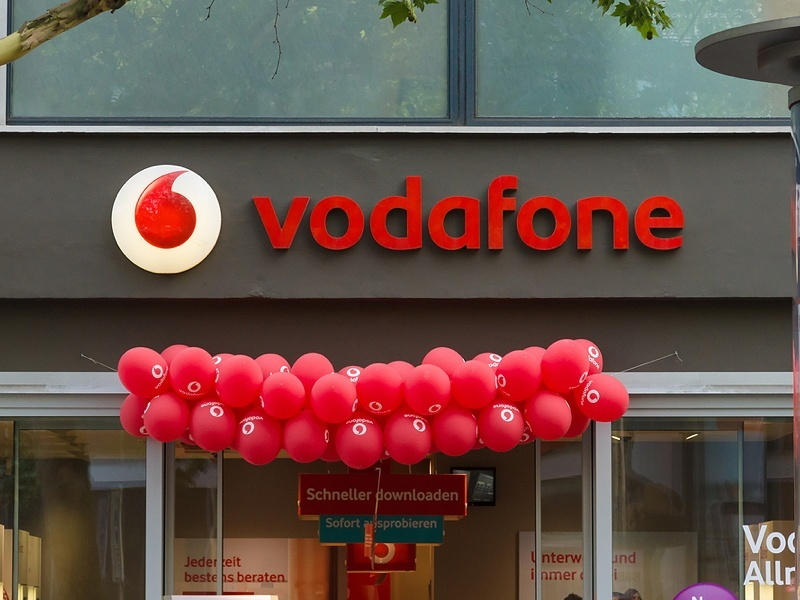 Tech business week: Vodafone Q4 revenues and EMC promotes Irish exec