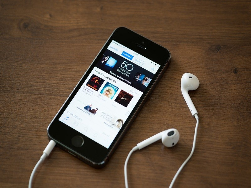 Apple music-streaming service to launch at WWDC