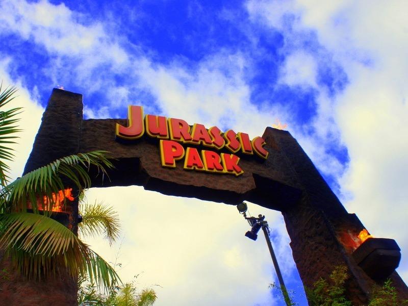 Jurassic Park vs Jurassic World (gifs)