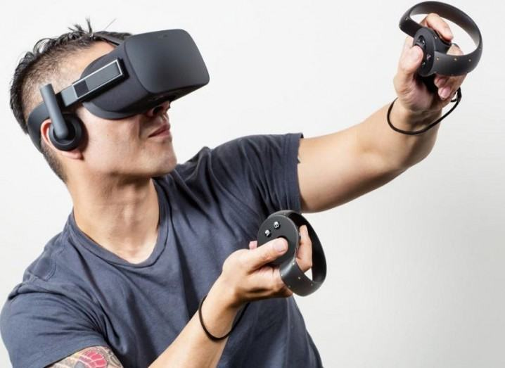 Player with Oculus Rift and Oculus Touch