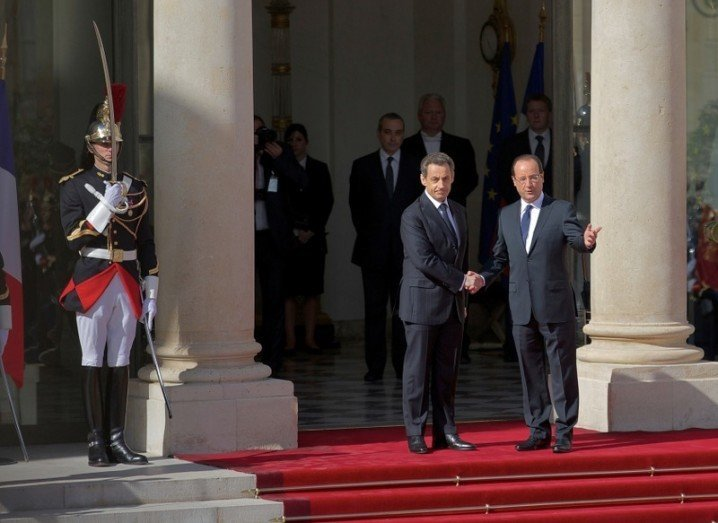 Sarkozy-Hollande-Inauguration-2012