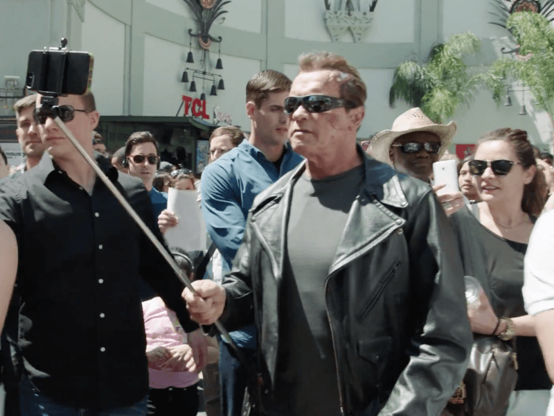 Viral Vids: Arnie's Prank, Hitchcock cats and a 4-year-old's first flight