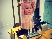 'Baby in a test tube' photo freaks out internet