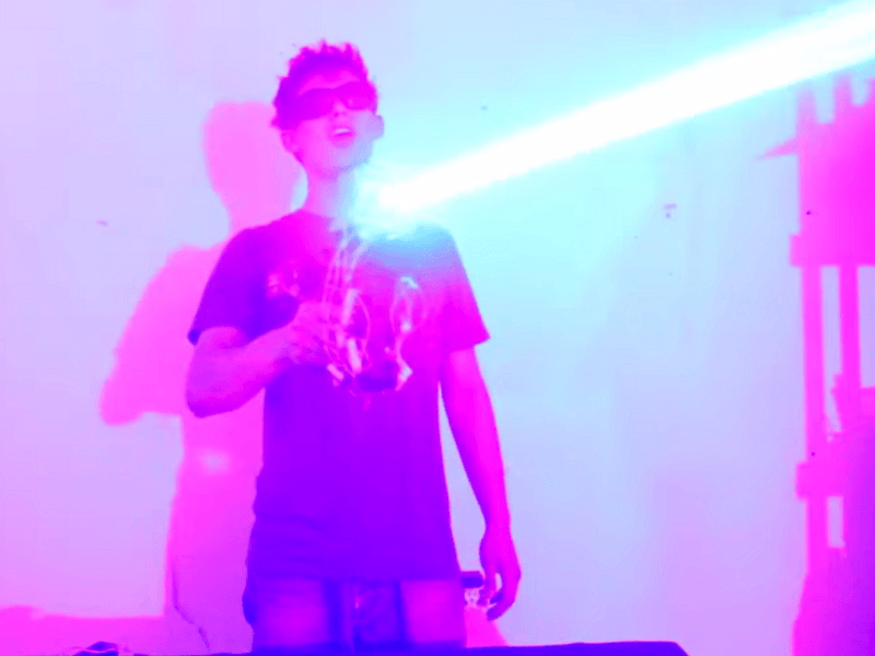 Homemade laser shotgun is now a thing and it looks awesome