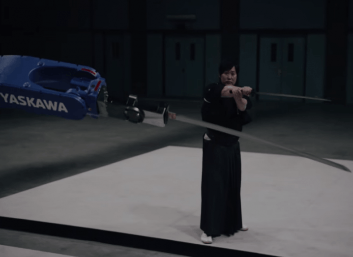 yaskawa-robot-sword-samurai
