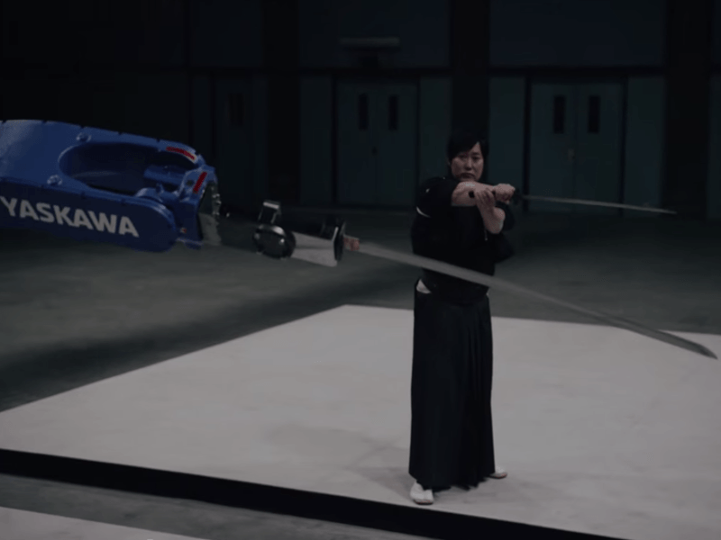 Samurai takes on robot, the ultimate man vs machine challenge – Gigglebit