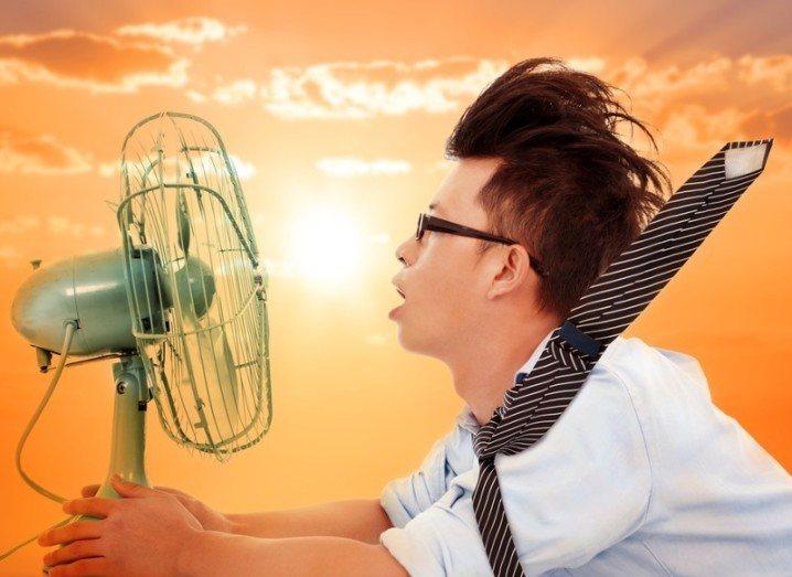 Man hugging fan