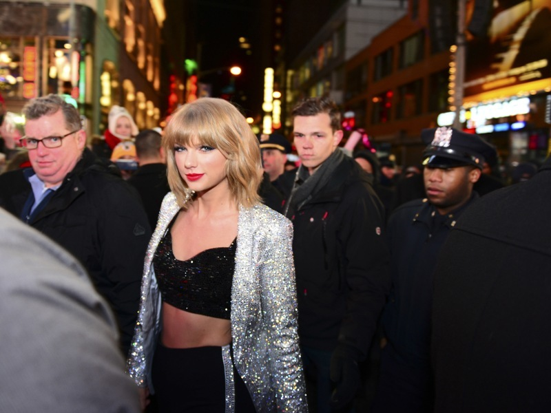 Taylor Swift takes on Apple Music's decision to not pay artists — and wins