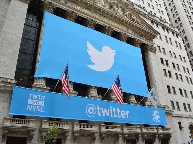 The tech business week: Changes at Twitter and Three extends free 4G