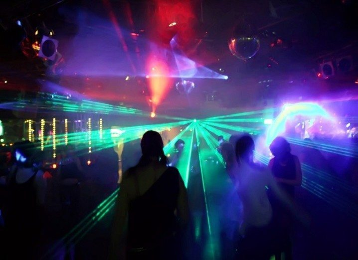 3D hologram lasers on dancefloor