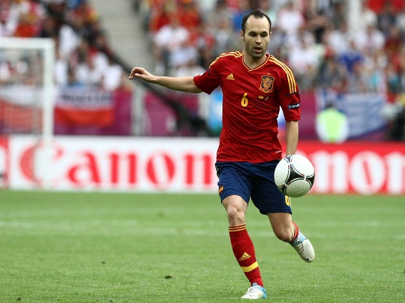 Andrés Iniesta kicks Andrés Iniesta out of Instagram account in mix-up