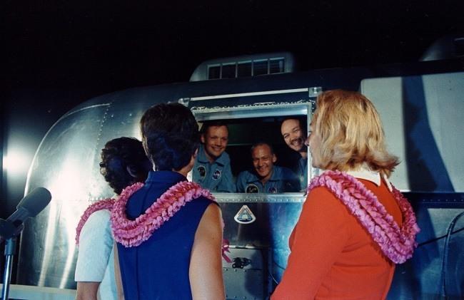 Apollo 11 photos quarantine wives