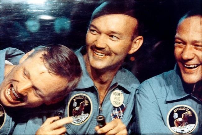 Apollo 11 photos quarantine chamber