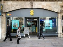 EE slapped with £1m fine over poor handling of customer complaints