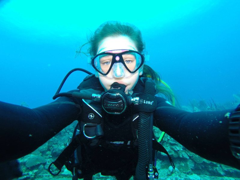13-year-old girl to dive between tectonic plates separating North America and Europe