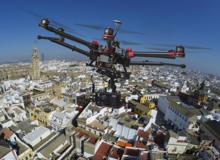 Drones: drone in the city