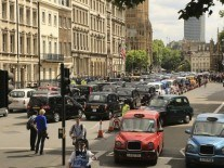 Uber faces fresh legal challenge from British drivers union
