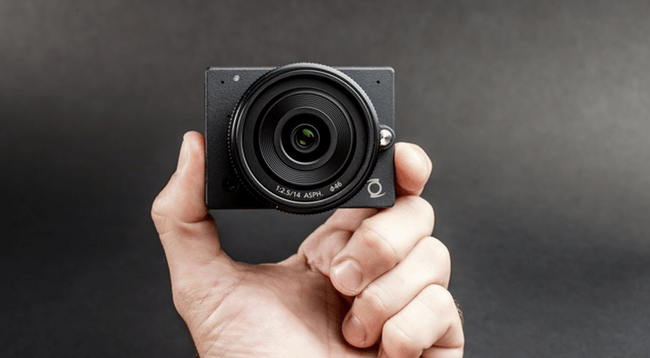 Z E1 interchangeable lens camera
