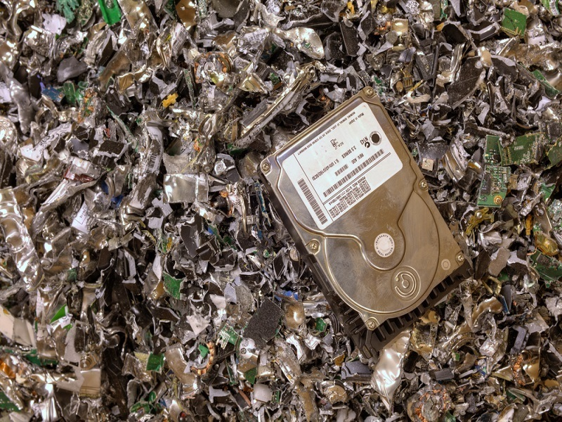 Only one-third of EU e-waste recycled, a lot illegally sold