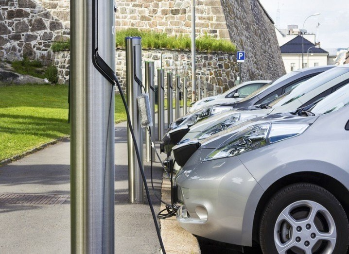 Electric cars in 2015 at charging points