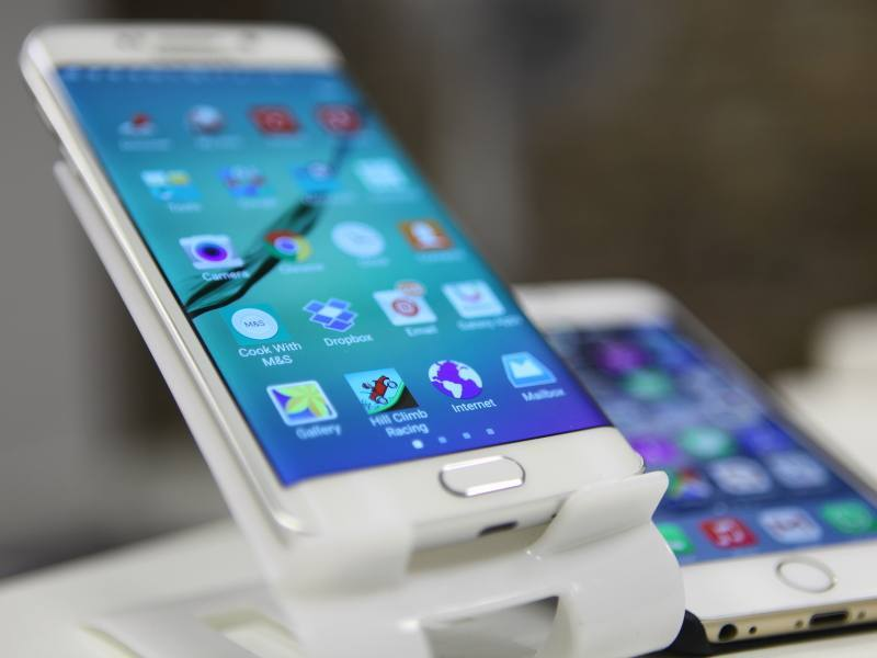 iPhone 6 takes twice as long to charge as Samsung Galaxy S6