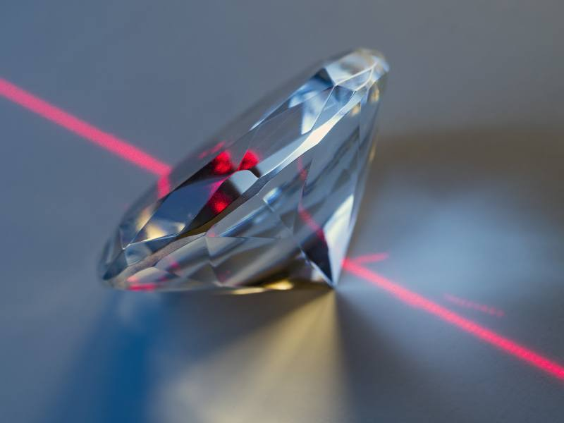 New powerful diamond laser that can easily cut through steel