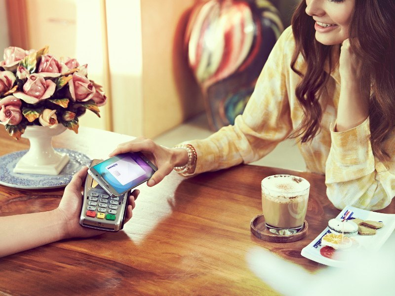 Can Samsung Pay edge in on Apple's lead in the mobile wallet war?
