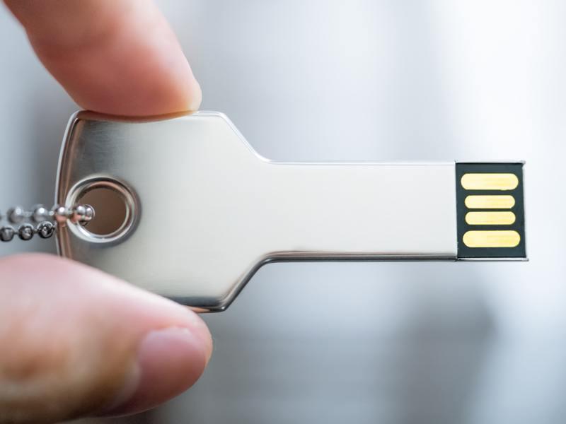 Dropbox introduces USB key verification for two-step login