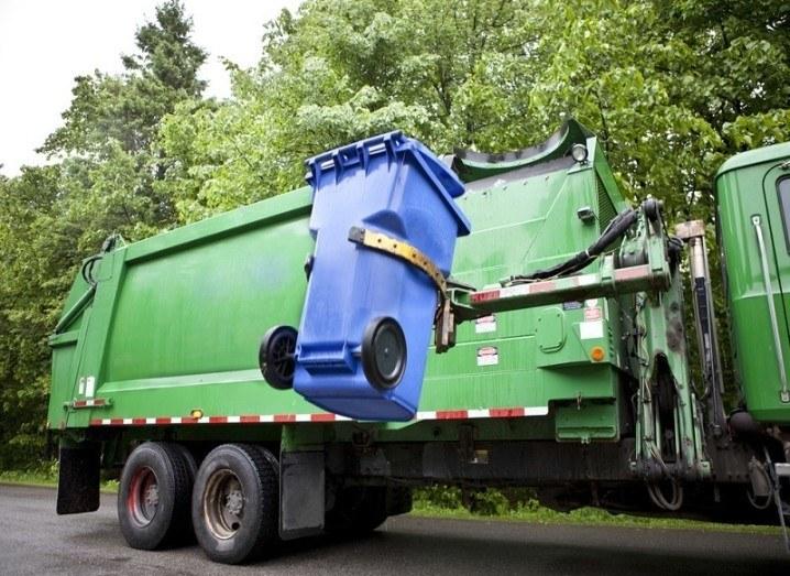 Robot garbage man truck