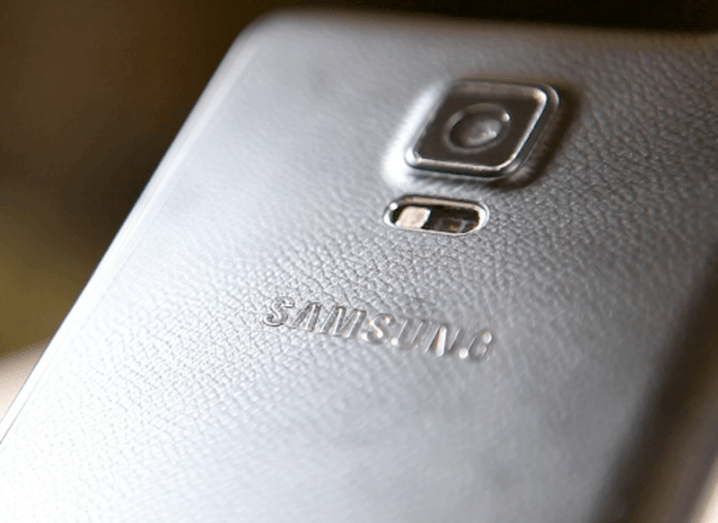 Samsung: Foldable smartphone