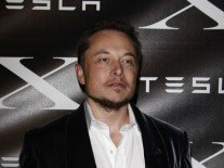 Elon Musk tweets 2017 date for release of first mass-market Tesla