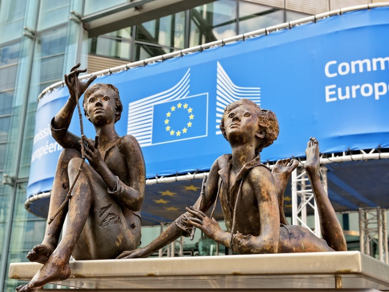European Commission responds as Safe Harbour comes under fire