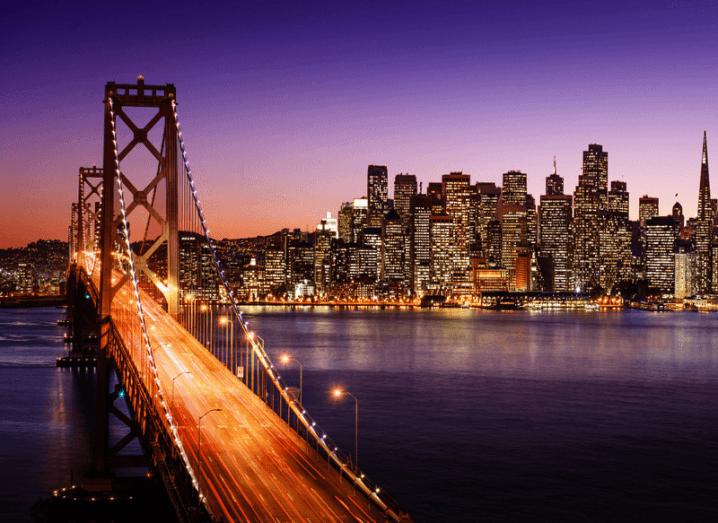Apple: San Francisco skyline