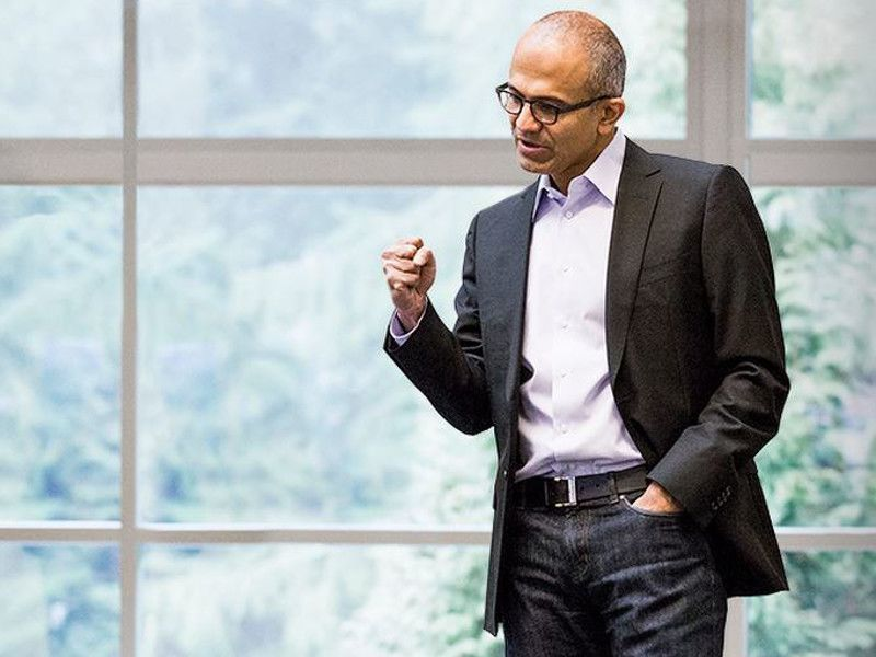 Microsoft reveals cloud and mobile identity in financial revamp