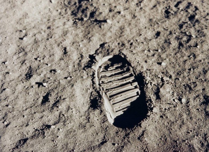 Moon mission footstep