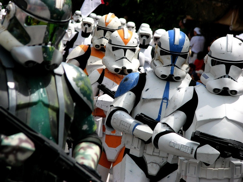 Star Wars: The Force Awakens trailer released – where's Luke?
