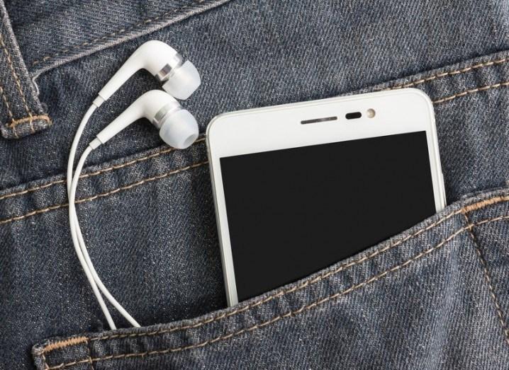 smartphones-shutterstock