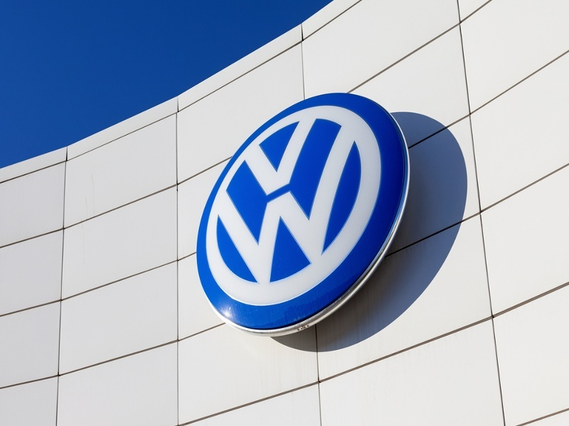 Volkswagen sets up website for car owners affected by emissions scandal