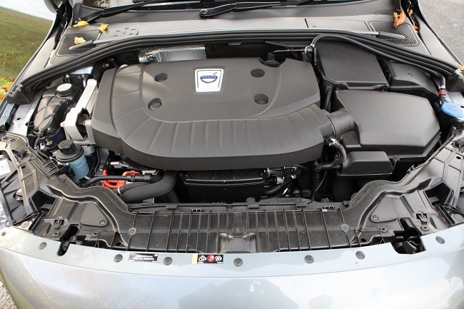Volvo V60 Hybrid engine