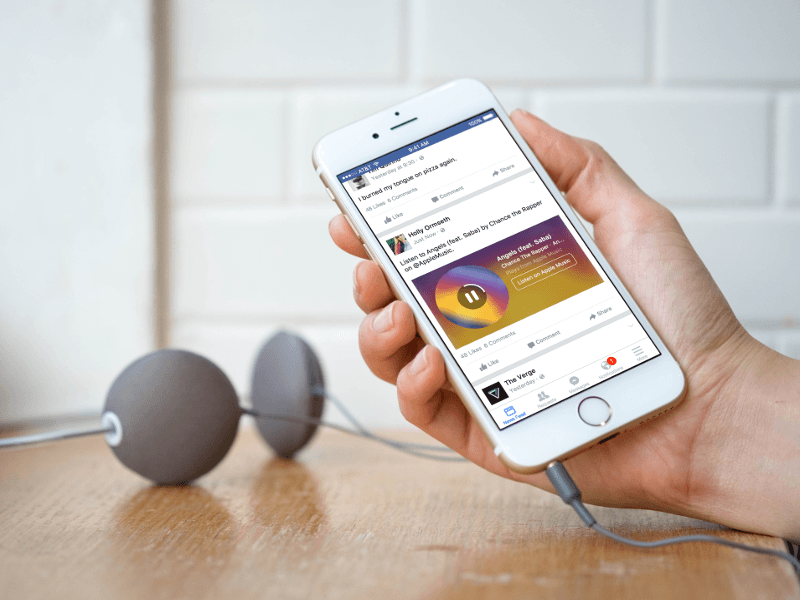 Facebook strikes a chord with Spotify and Apple Music clips in News Feed