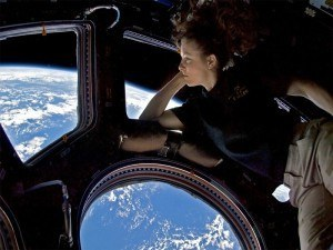 Astronauts dream: Tracy Caldwell Dyson aboard the ISS