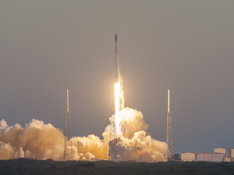 Land ahoy! SpaceX successfully and safely lands Falcon 9 rocket